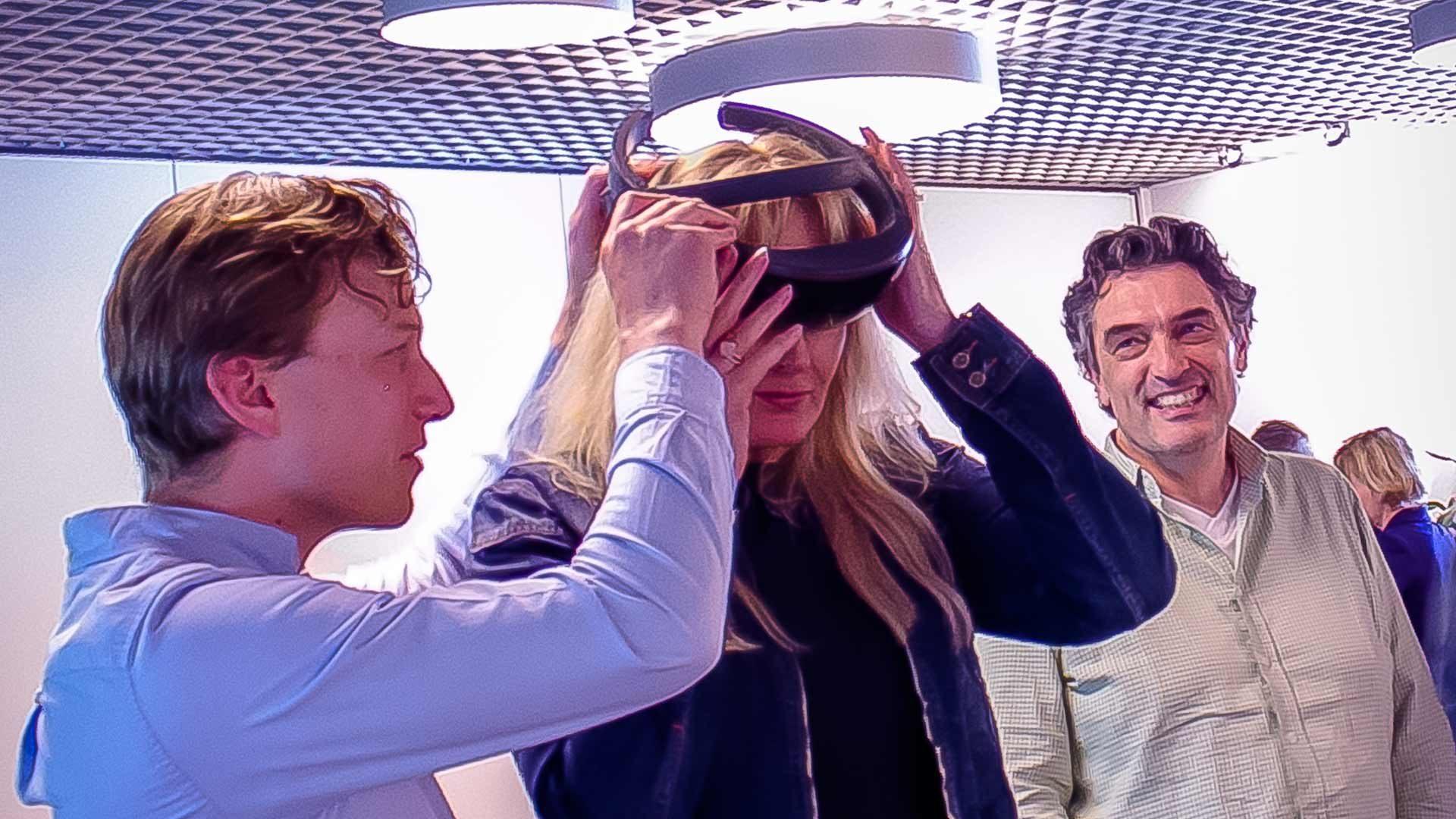 BLUF en de Sociale Verzekeringsbank innoveren op de werkvloer met Microsoft HoloLens.